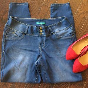 Plus Size YMI WannaBettaButt Jeggings Jeans Pants
